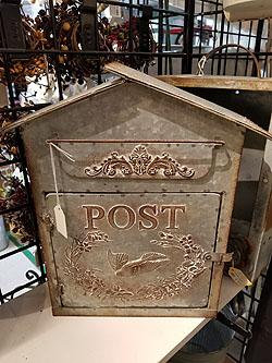 BIRDHOUSE POST BOX