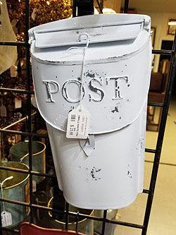SMALL WHT POST BOX