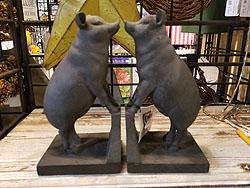 2/SET STANDING PIGS BOOKENDS