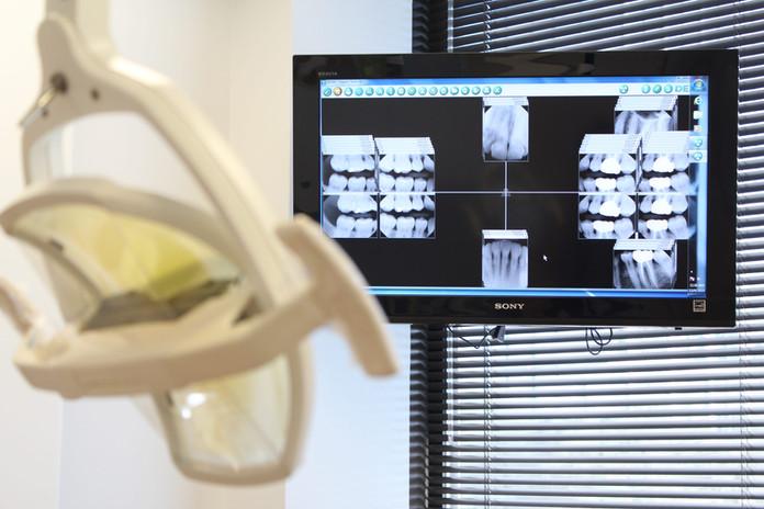 houston dentist open on saturday