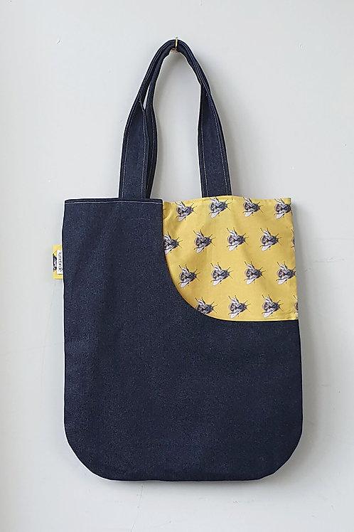 yellow bee tote bag