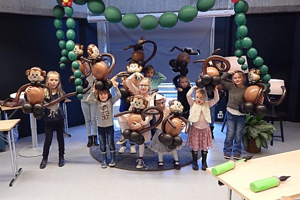 Søte apekatter som var hos Eventyrlig Dekor på ballongkurs under Barnas Dager i Stavanger.