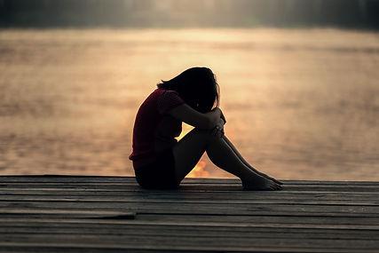Verdrietig, alleen, ik zie het niet meer zitten