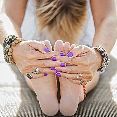 Yoga, onderrug oprekken, balans vinden, adem in en adem uit, dichterbij Jezelf komen