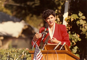 MariaB_red_podium_mayor1991.jpg