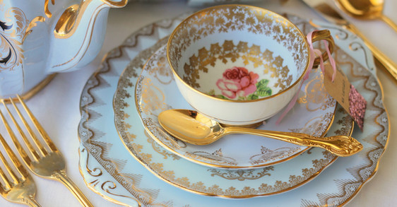 Vintage blue dinner plates, with pink ro