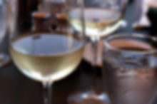 glass-of-white-wine-725x544.jpg