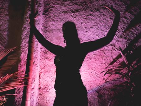 Expressão corporal - Identificação da sombra e iluminação através da arte