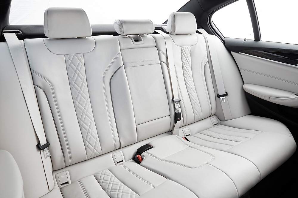 2017 BMW 5-Series - interior rear