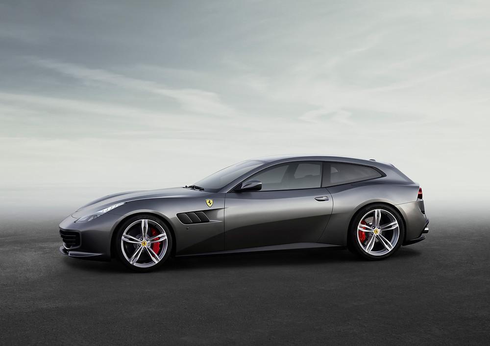 Ferrari GTC4Lusso - side