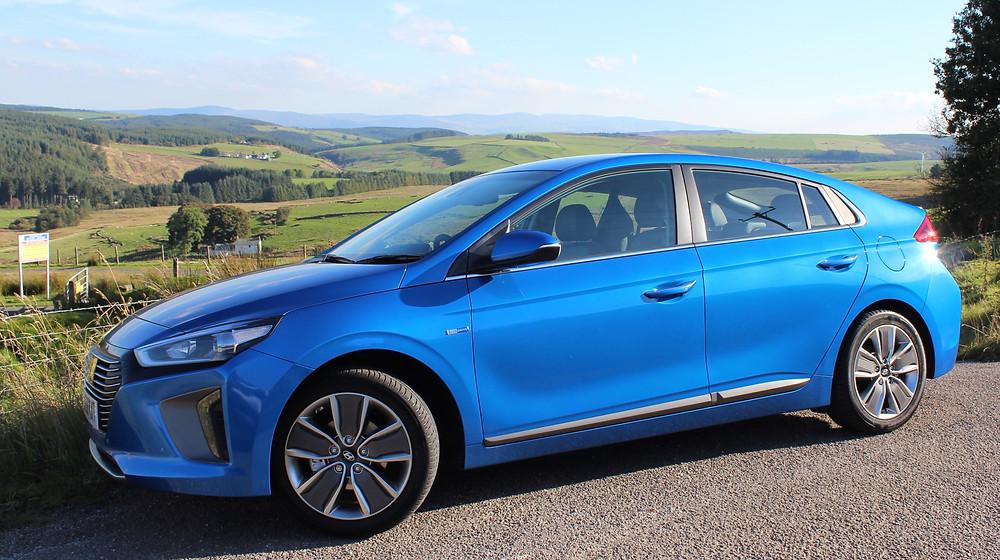 2016 Hyundai Ioniq Hybrid - side