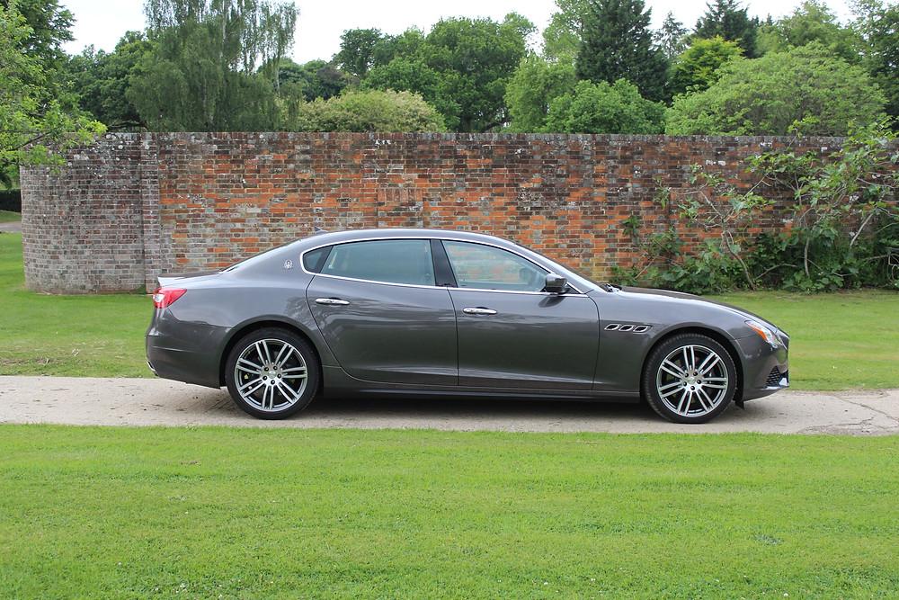 Maserati Quattroporte S - side
