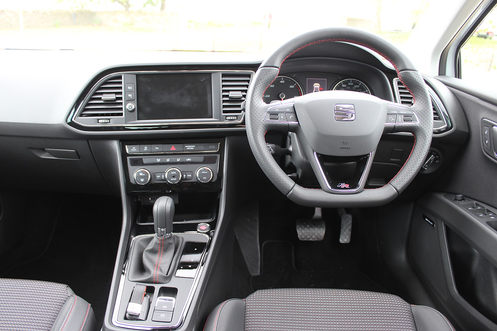 SEAT Leon 5dr FR Technology 2.0 TDI 184 - dashboard