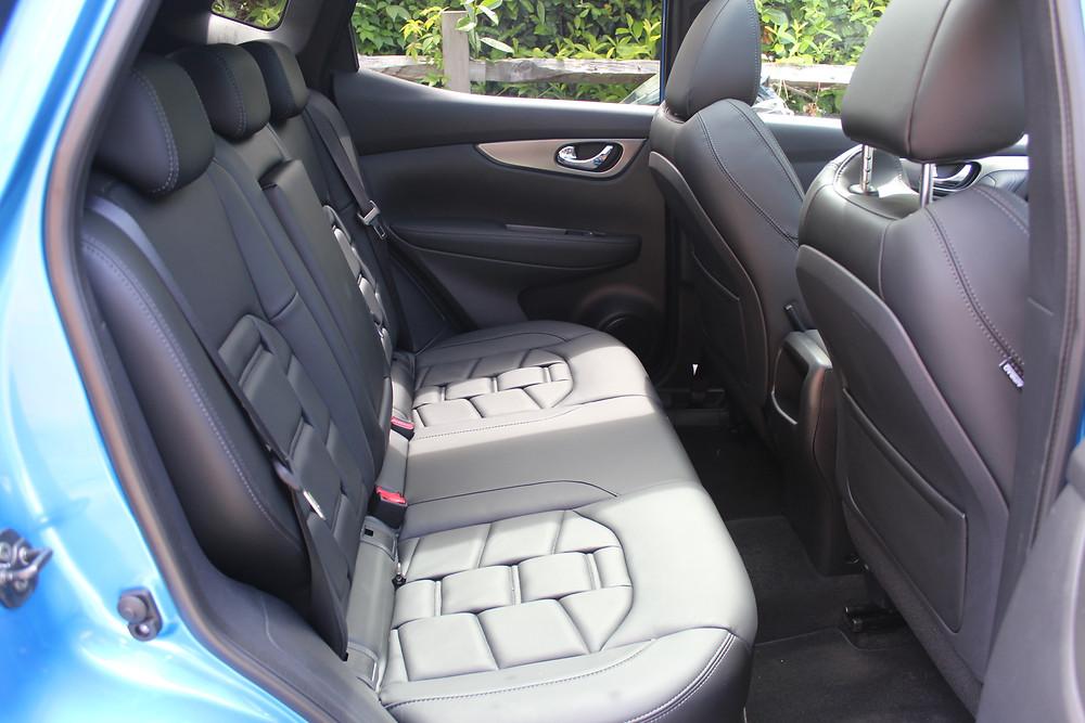 2017 Nissan Qashqai TEKNA + rear seats