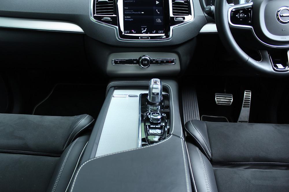 Volvo XC90 T8 R-Design console