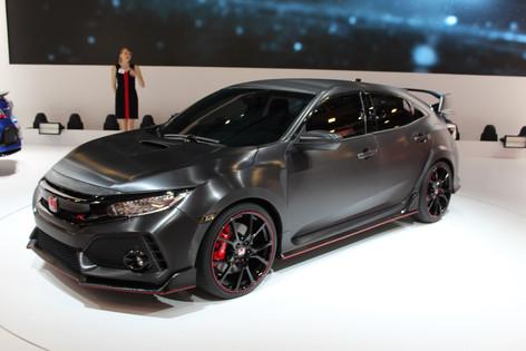 2017 Honda Civic and Type R debut at the Paris Motor Show