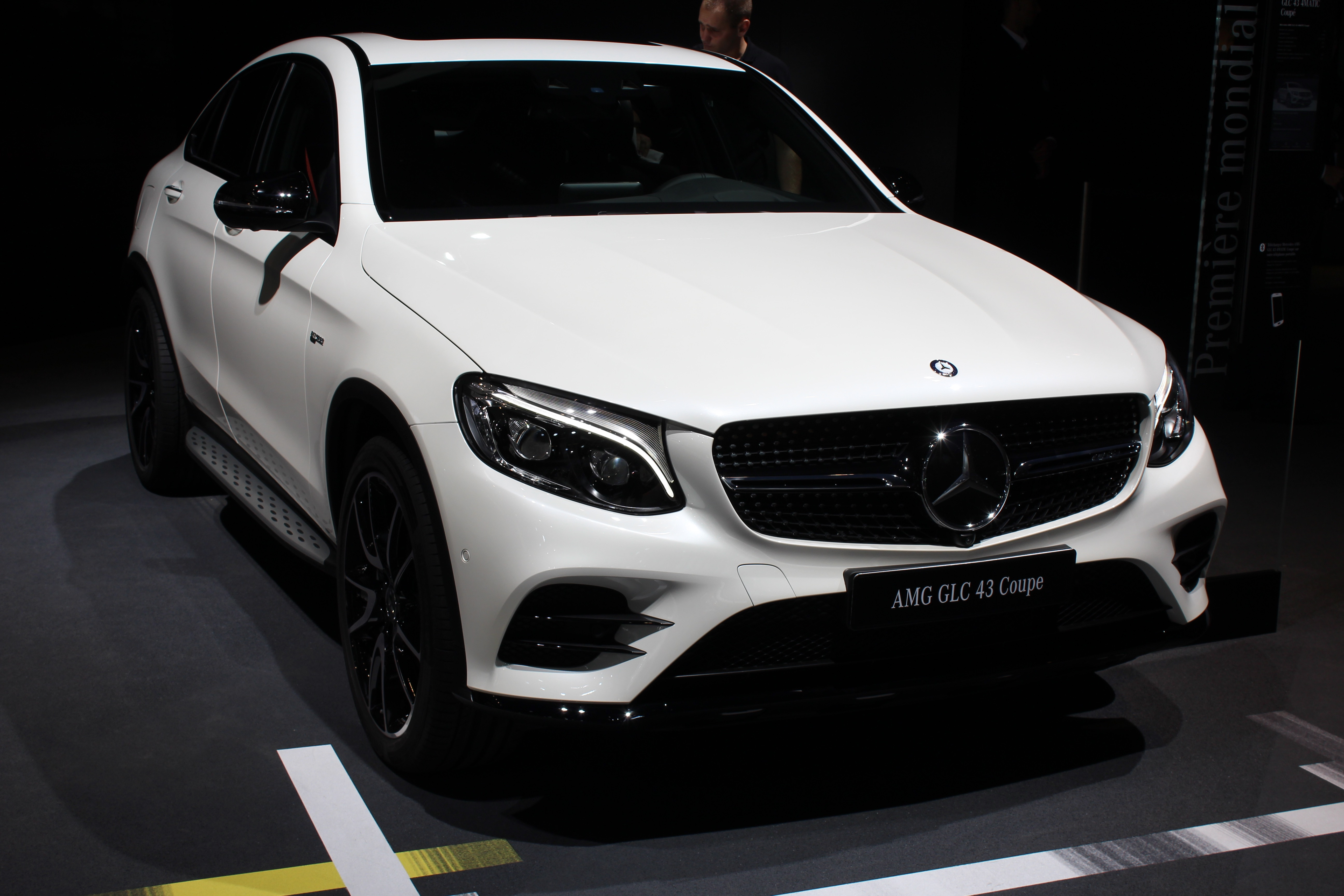 2017 mercedes amg glc 43 4matic coupe car reviews driver 39 s seat. Black Bedroom Furniture Sets. Home Design Ideas