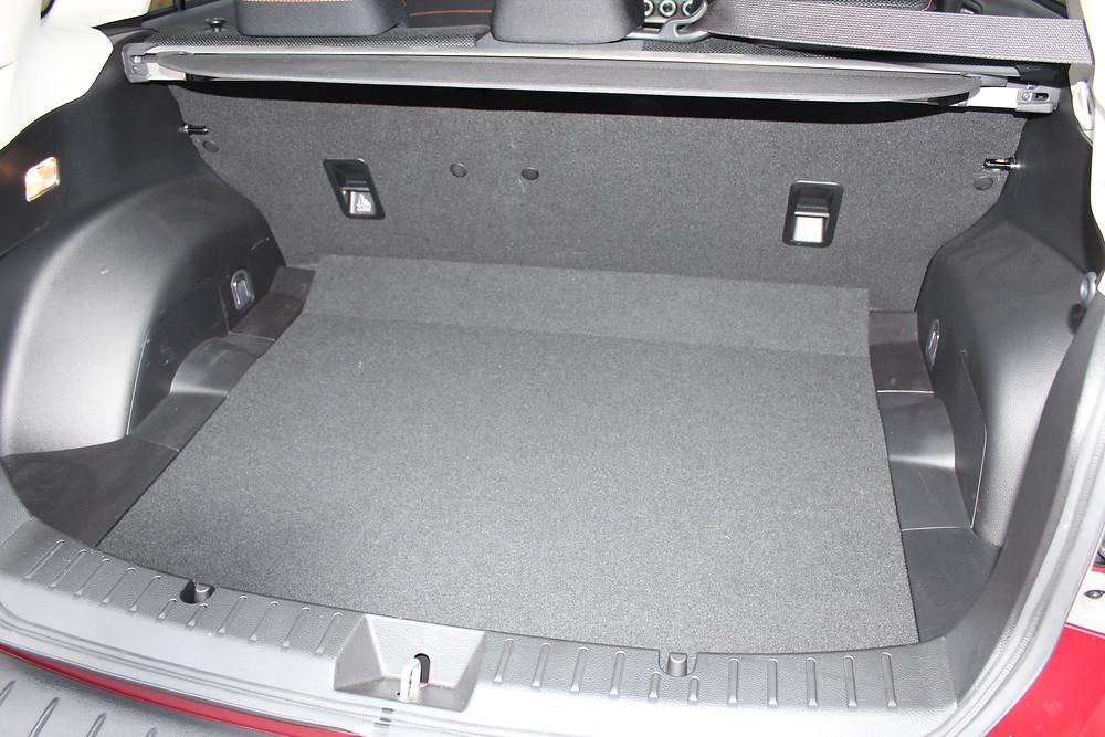 2017 Subaru XV 2.0-litre SE - boot