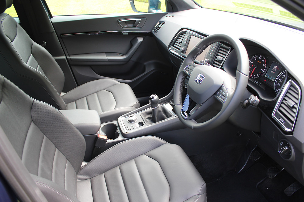 SEAT Ateca EXCELLENCE - front seats