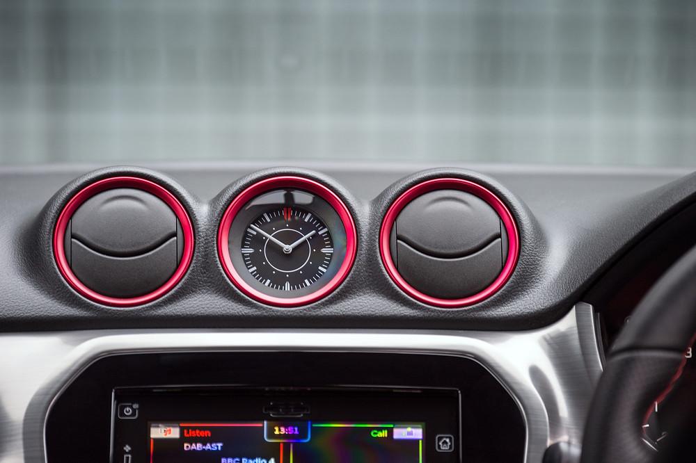 Suzuki Vitara interior - vents