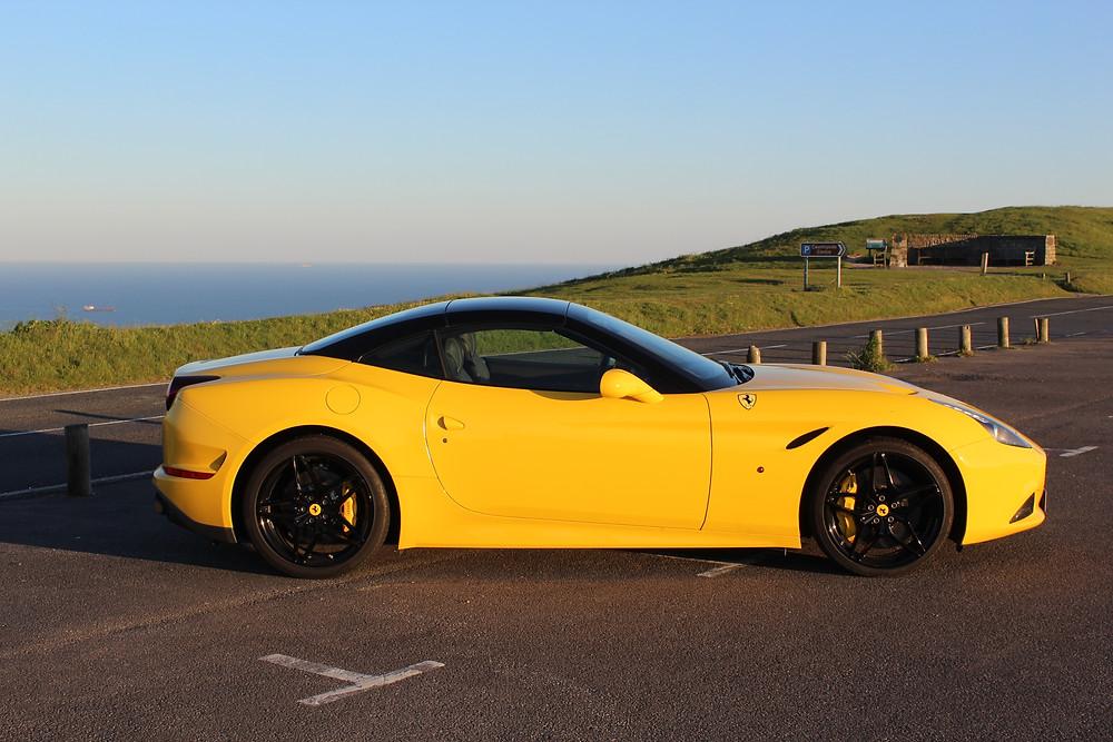 2017 Ferrari California T Handling Speciale - side roof up