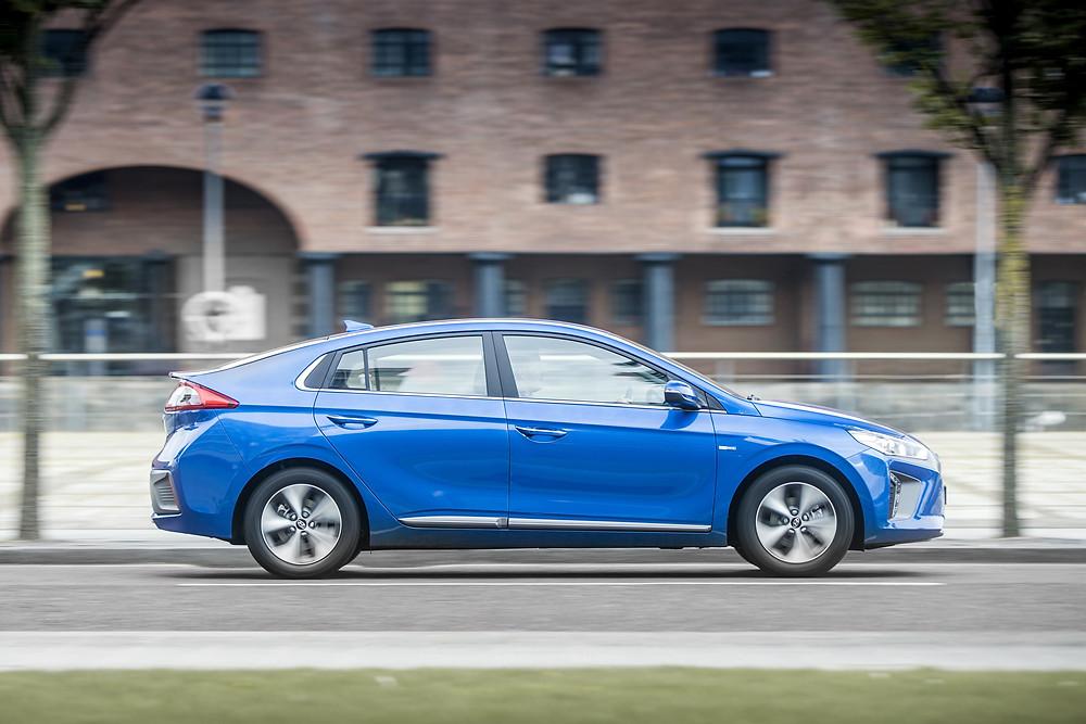 2017 Hyundai Ioniq Electric - side