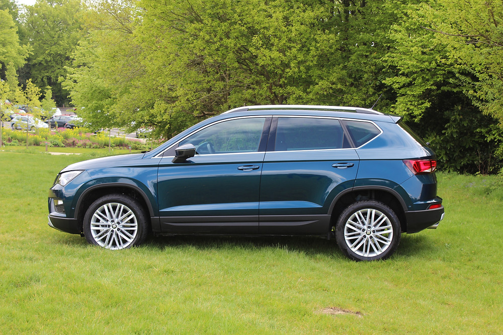 SEAT Ateca EXCELLENCE - side