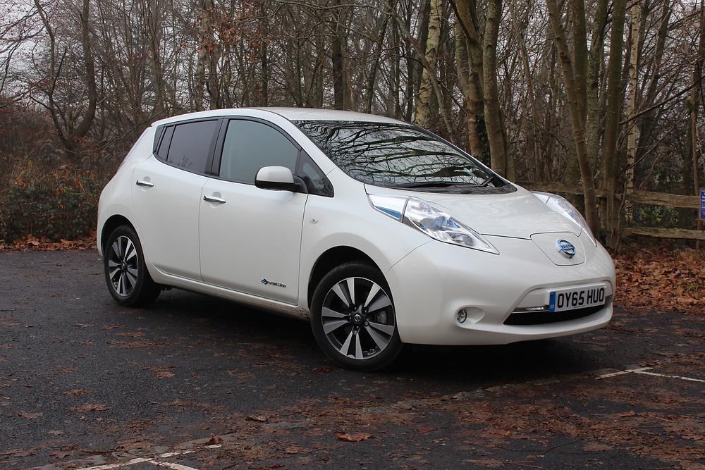 2016 Nissan Leaf - front 3/4