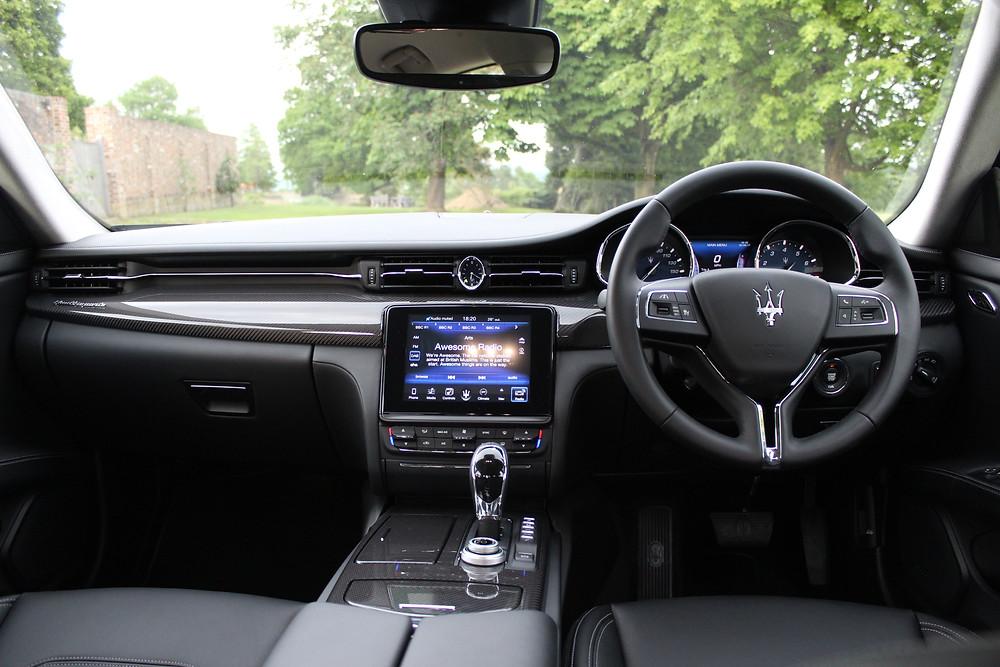 2017 Maserati Quattroporte - dashboard