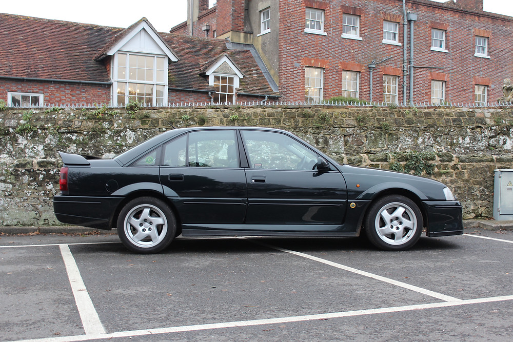 1992 Vauxhall Lotus Carlton - side