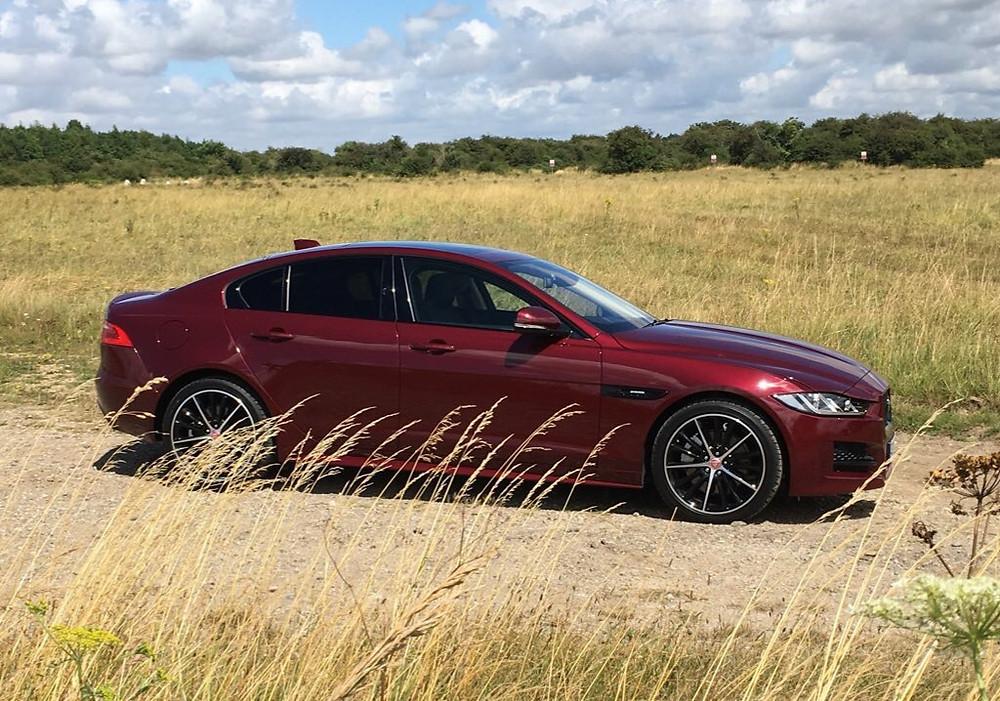 Jaguar XE AWD - side