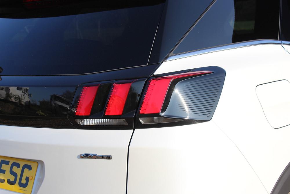 Peugeot 3008 1.2 Puretech 120 GT Line - taillights