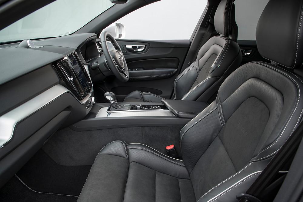 2017 Volvo XC60 D5 R-Design front interior