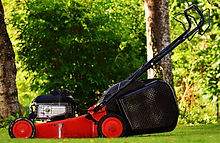 lawn-mower-1593900_1920.jpg