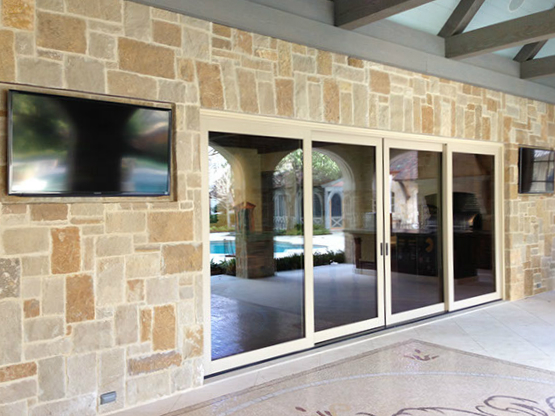 Outdoor HDTVs
