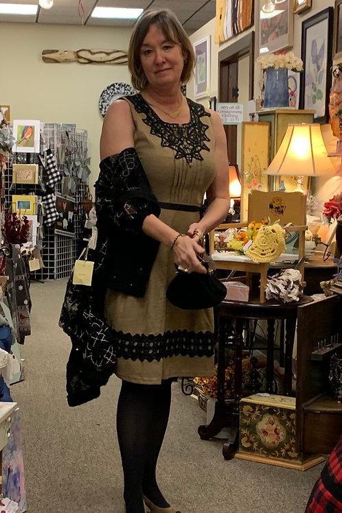 Beautiful dress with cotton black lace