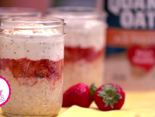 Strawberry Cheesecake Overnight Oat Parfait