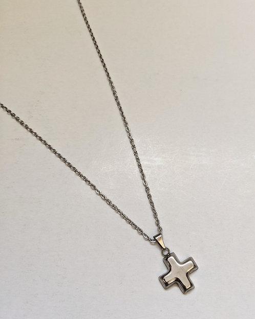 Cruz with Chain