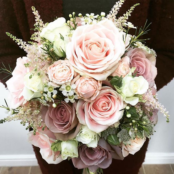 This brides colour combination will neve