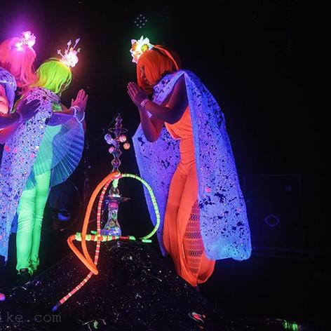 Helium Queens Hookah by Mike Brooks