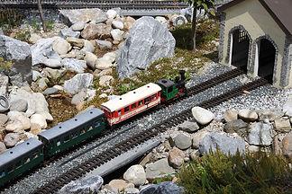 rails-5461105_1920.jpg