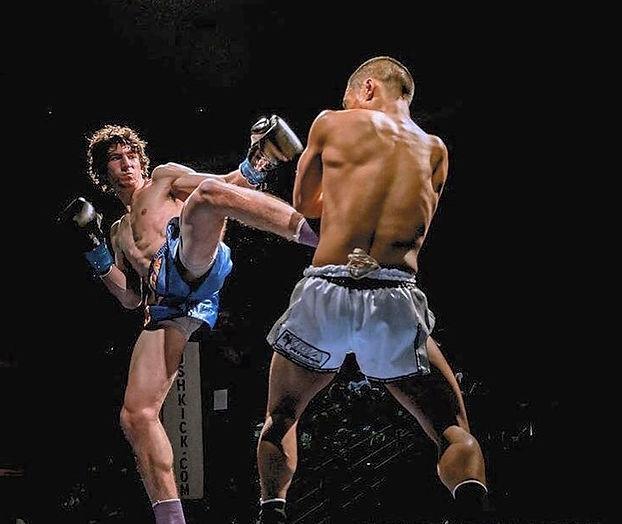 Dave Engel Muay Thai Fighting
