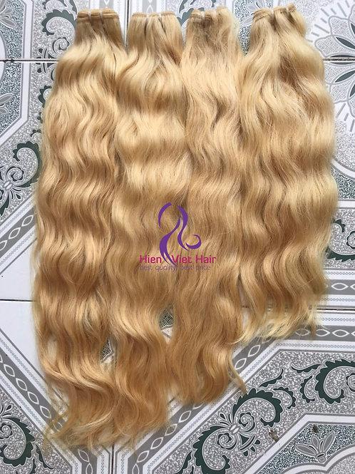 Loose wave blonde