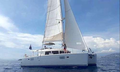 Catamaran Hawkeye Yacht Charter Vacations