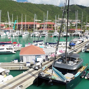 Charter a Yacht Sailing the U.S. Virgin Islands for an Easy Vacation to an American Paradise