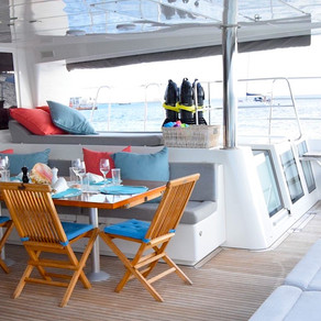 Extraordinary Luxury Yacht Charter Vacations on Catamaran Amazing
