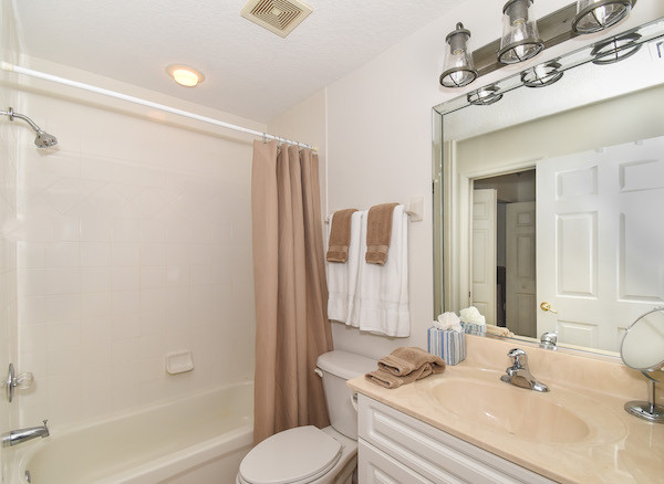 Ocean Walk Condo 2nd Bathroom