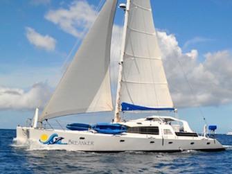 Catamaran Breanker Charter Vacation