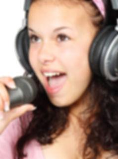 girl-15754_1280.jpg
