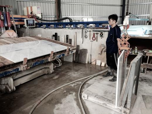 Marble Working - Cutting Slab Machine.jp